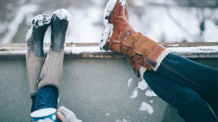 آموزش پاک کردن شوره برف و آب از کفش و چکمههای زمستانی