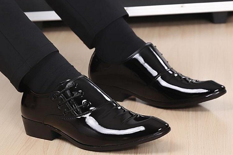 نکات خرید کفش مناسب برای محل کار و نحوه استفاده بهنیه